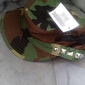 U.S. Army Accessories - 7 1/4 Studded Camo Hat